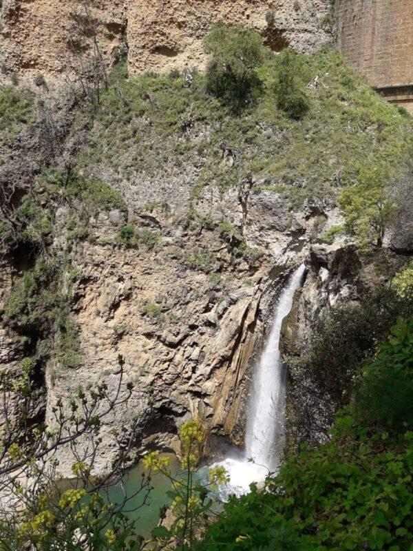 cascada-río-Guadalevin-bajo-el-puente-Nuevo-Ronda-Málaga
