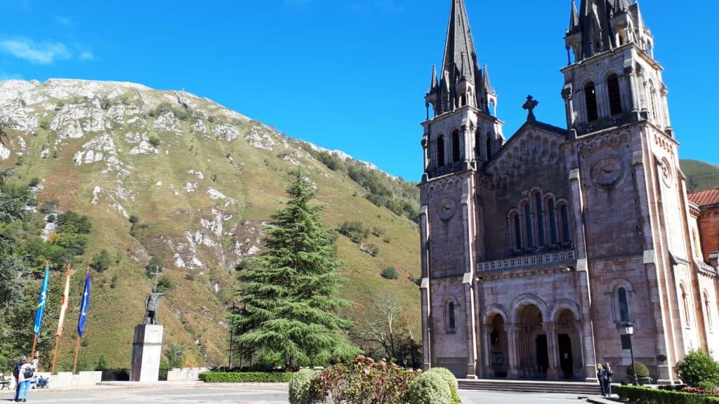 Basílica_de_Santa_María_la_Real_de_Covadonga