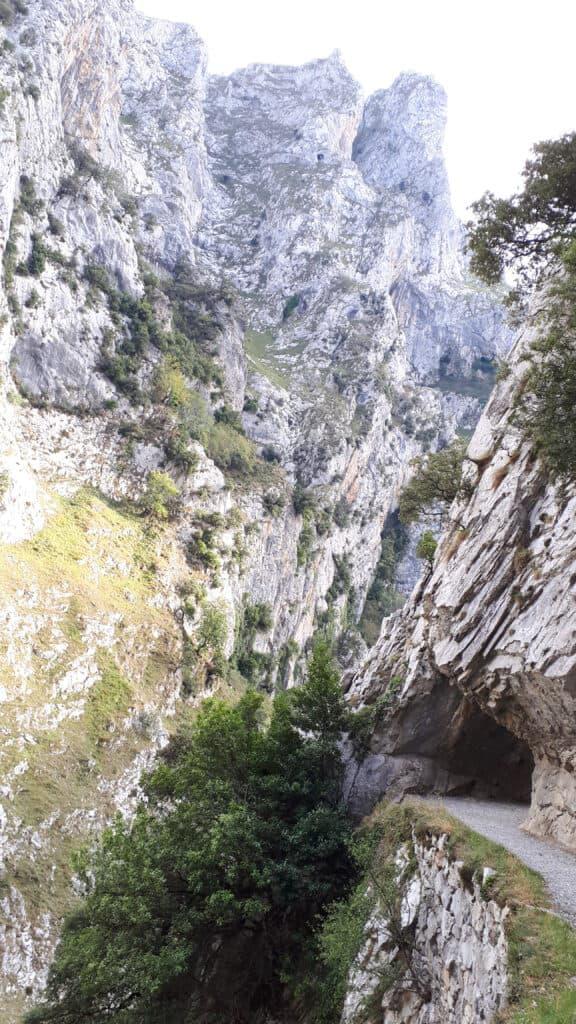 túneles_en_ruta_del_Cares