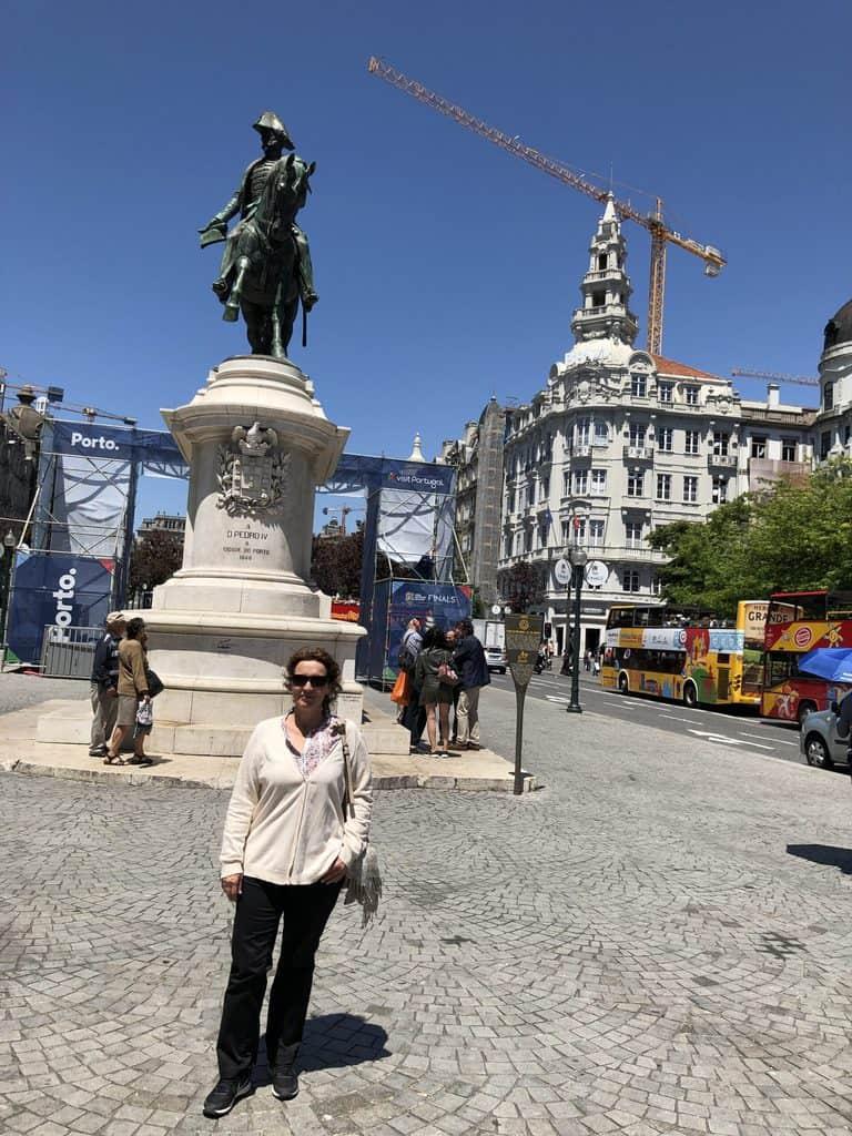 Plaza-de-la-Libertad-Oporto-(Praça da Liberdade)