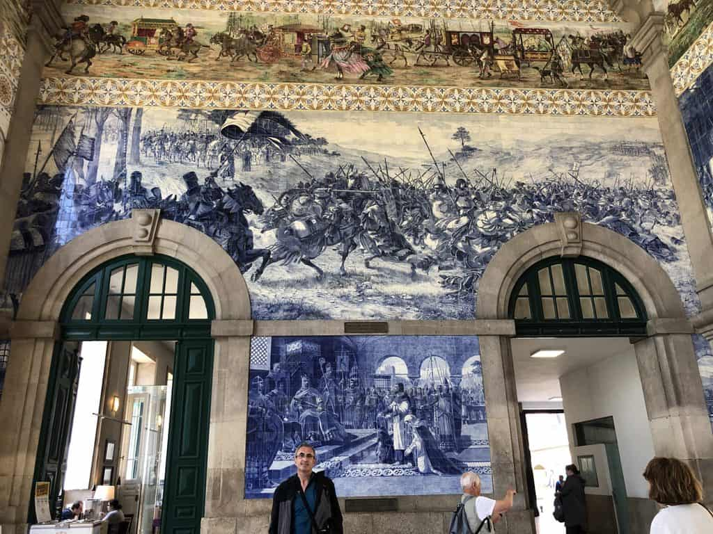Interiro-estación-de-San-Benito-Sao Bento-Porto-Oporto-Portugal
