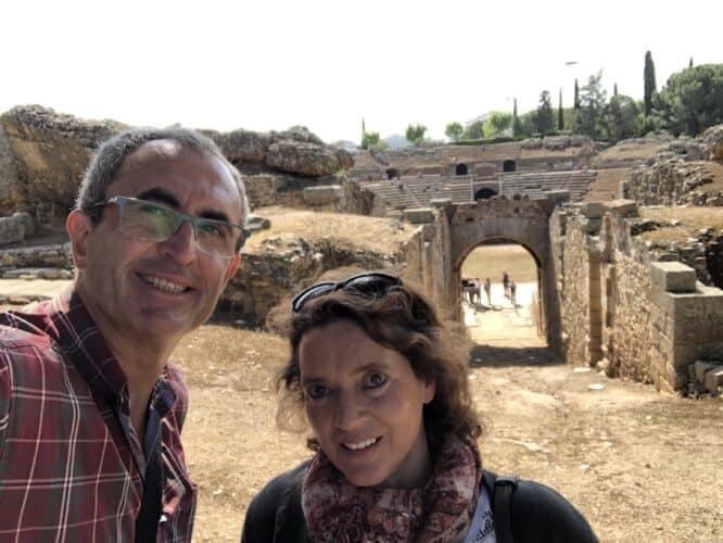 Entrada-al-anfiteatro-romano-de-Mérida-marcosplanet