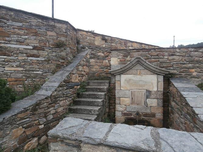 fuente-a-zapata-San-Martín-de-Mondoñedo-Foz-Lugo